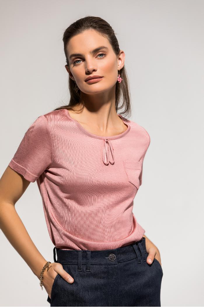 Suéter efecto seda con detalle de lazada